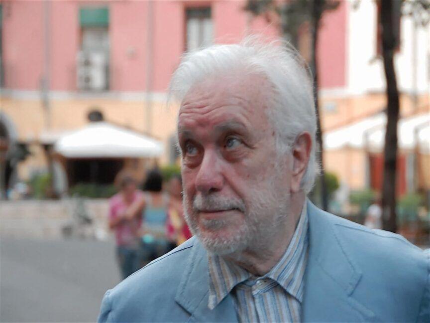 Mestieri napoletani raccontati dallo scrittore Luciano De Crescenzo-1