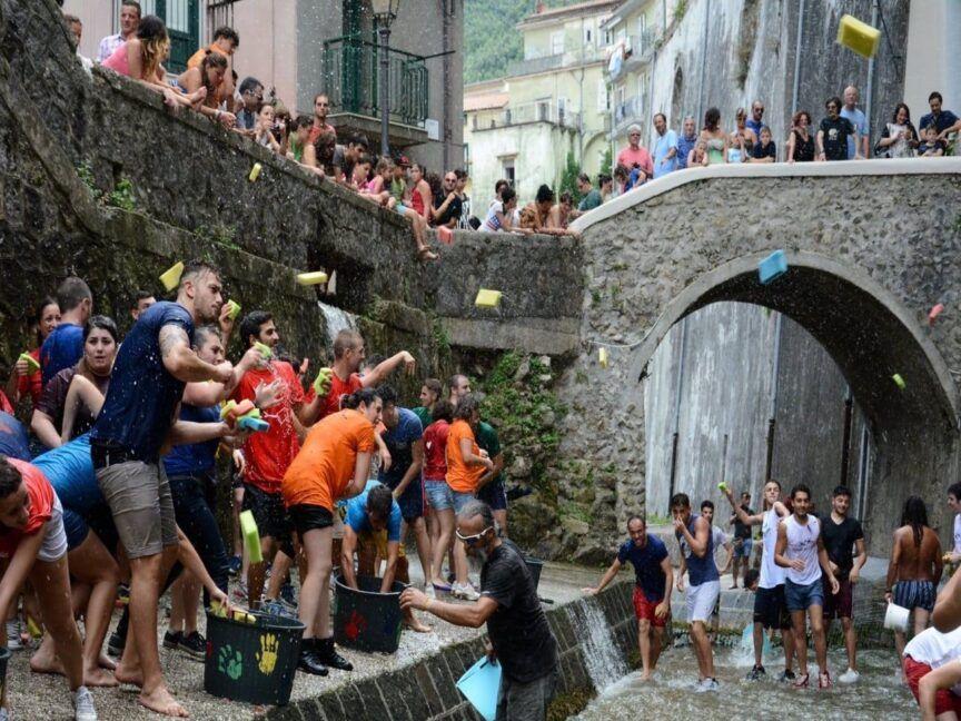 'A Chiena, la festa dell'acqua-1